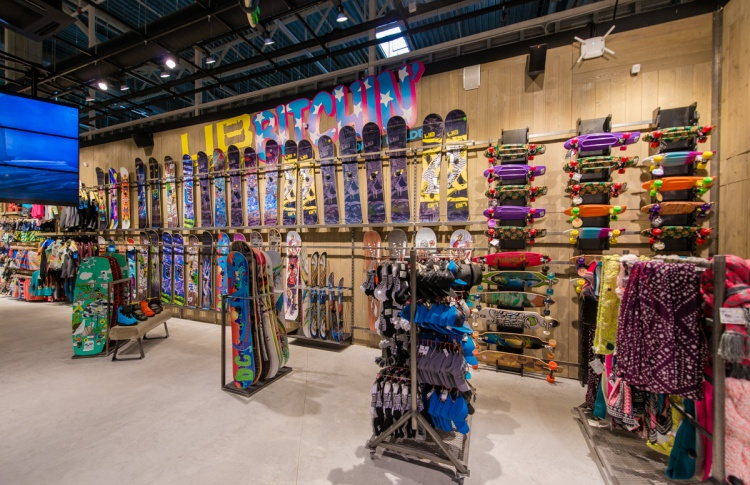 В Петербурге открылся экстрим-магазин Boardriders