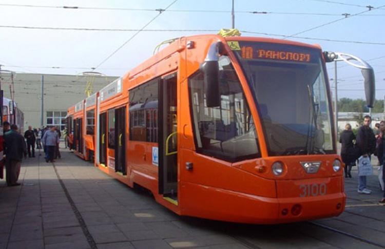 На востоке города пустят скоростной трамвай