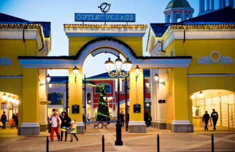 2012: появление шопинг-деревни «Белая дача»