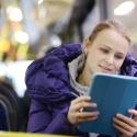 В автобусах и троллейбусах могут появиться розетки для зарядки телефонов
