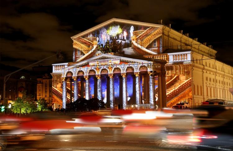 Во вторник, 28 октября, на фасаде Большого театра покажут яркое световое шоу