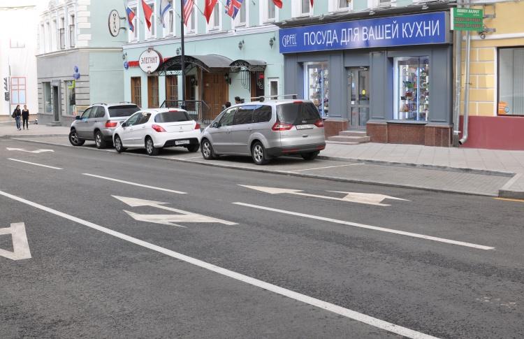 Места на платных парковках укоротят до 6,5 метров