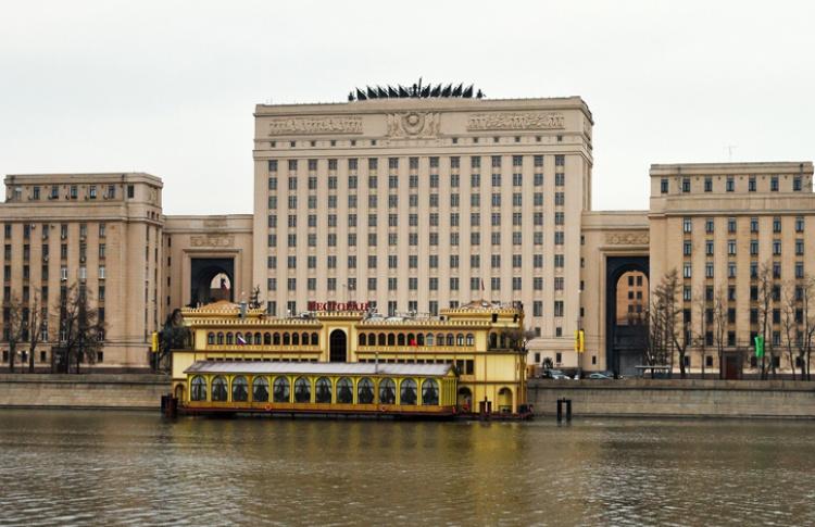 Фрунзенскую набережную очистили от дебаркадеров