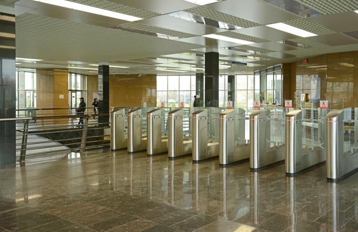 Проезд в метро можно будет оплатить с телефона