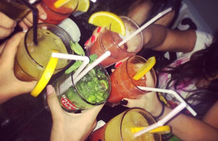 Как пить дать: 10 необычных предложений в барах Москвы