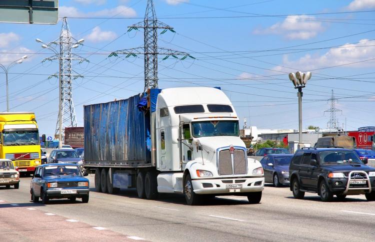 В Москве ограничивают движение грузовиков