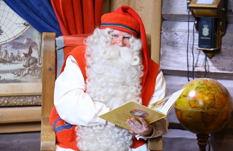 Санта-Клаус и оркестр эльфов