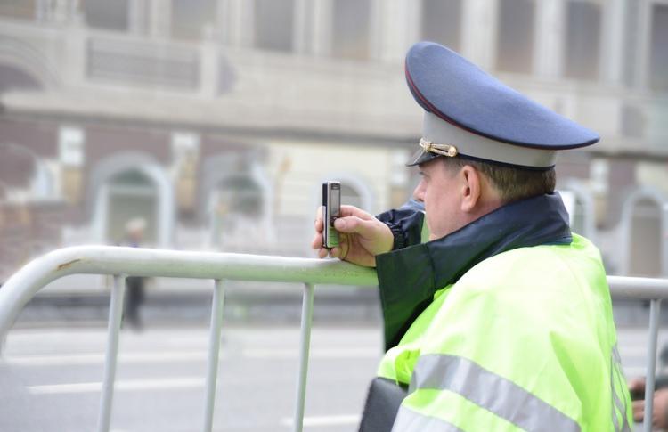 Нарушителей ПДД начнут снимать на телефоны и планшеты