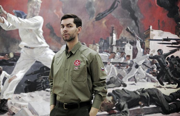 """""""В личном творчестве я кодировал свои идеи, а здесь рассказываю о том, чем является армия"""""""