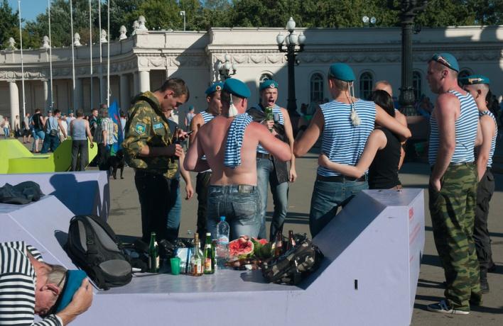 Сергей Капков предложил разрешить продажу алкоголя в парках