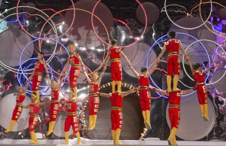 Новогоднее шоу «Китайский цирк» в Гостином дворе