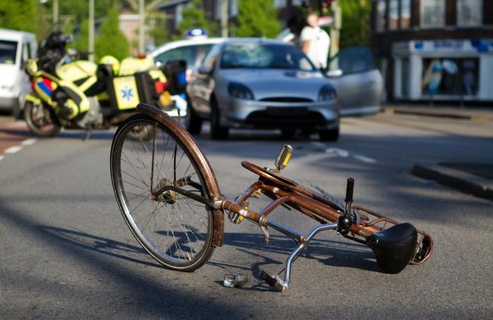 Страшно важно: что делать велосипедисту, если он попал в ДТП