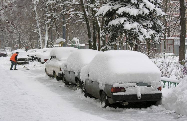 Снегопад парализовал Москву