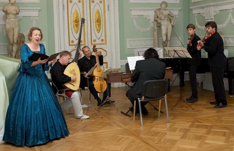 Виктория Евтодьева и Российский ансамбль старинной музыки