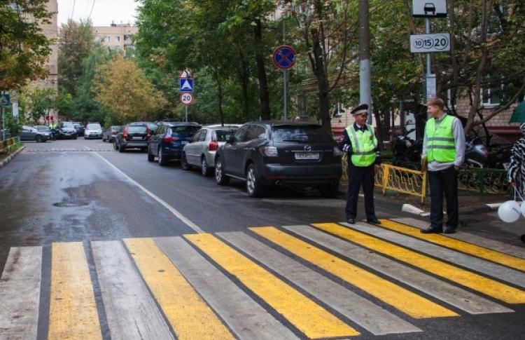 За поведением водителей на переходах проследят камеры