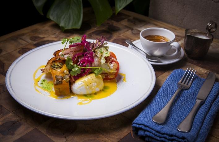 «Никуда не едем»: завтраки с коктейлями