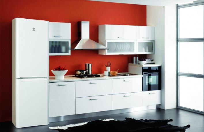 Новая линия холодильников Indesit Graffiti