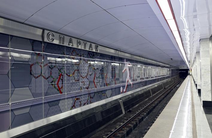 В метро начнут делать объявления на английском