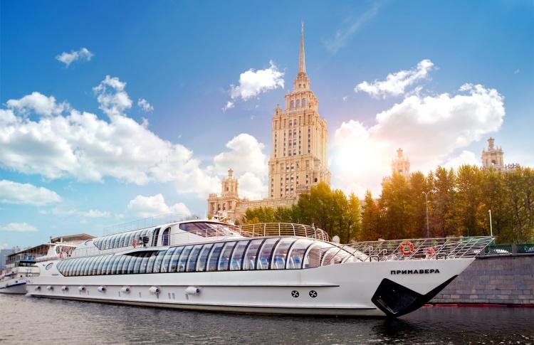 8 Марта с «Рэдиссон Ройал, Москва»
