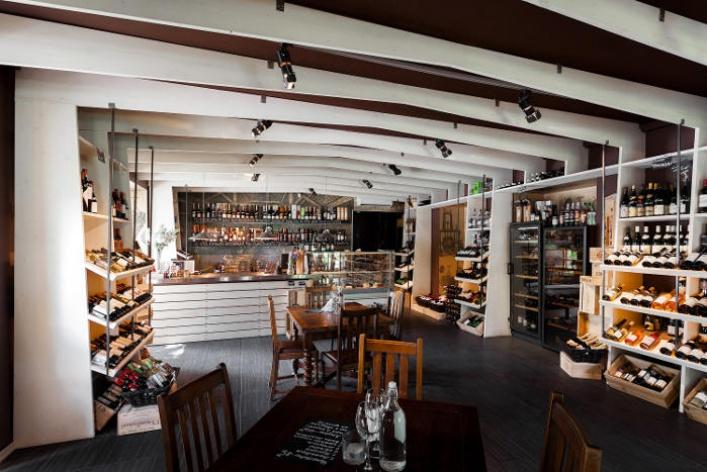 5 мест, где нужно пить российские вина