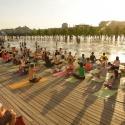 Бесплатные занятия йогой в парках начнутся в конце мая