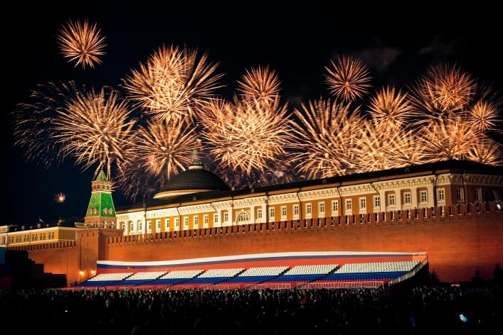 Праздничный салют 9 мая на смотровой площадке «Москва-Сити»