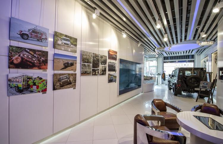 Фотовыставка в Jaguar Land Rover Boutique