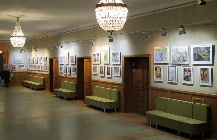 Выставочный зал Дома народного творчества и досуга