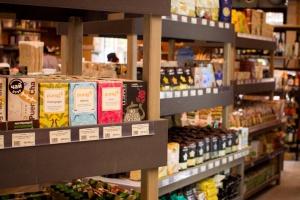 На Патриарших открылся минимаркет здоровой еды «Город-Сад»