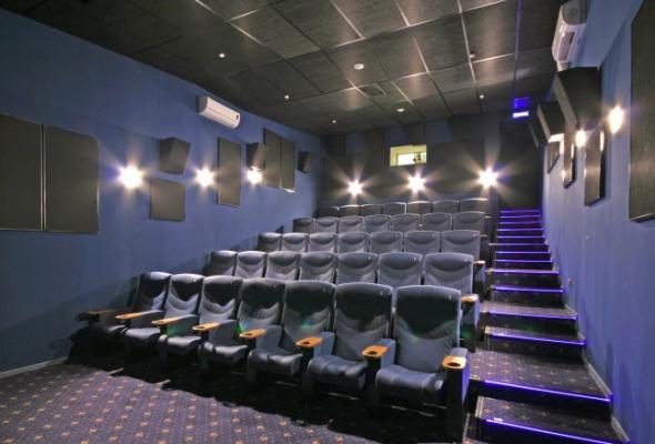 Формула кино афиша фестивальный билеты по акции в большой театр