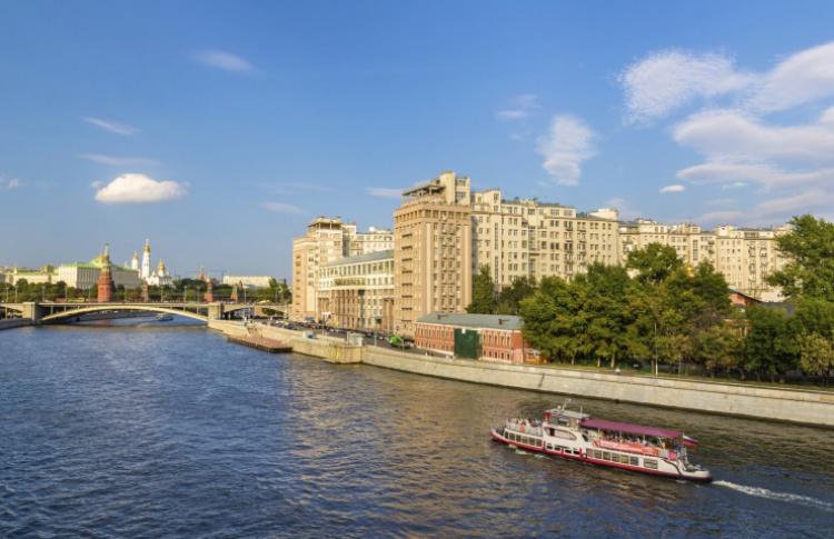 Берсеневская и Болотная набережные снова станут пешеходными