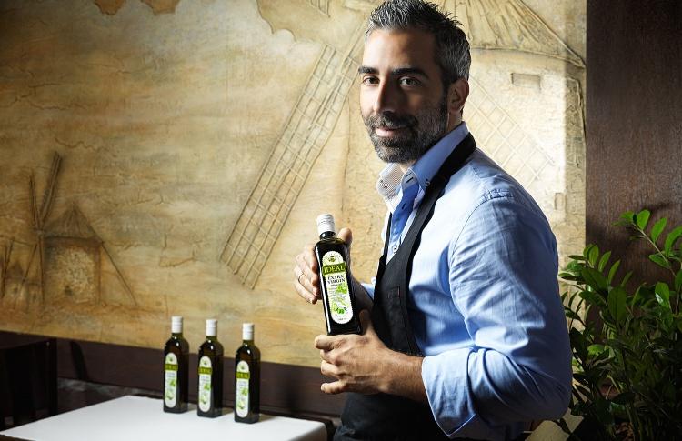 Испанский шеф-повар Хорхе де Анхель Молинер стал лицом оливкового масла IDEAL