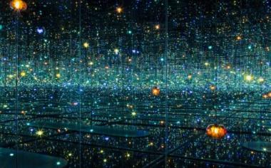 Яёй Кусама: теория бесконечности