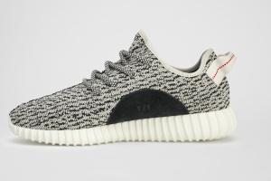 Канье Уэст и Adidas Originals представили новую модель кроссовок