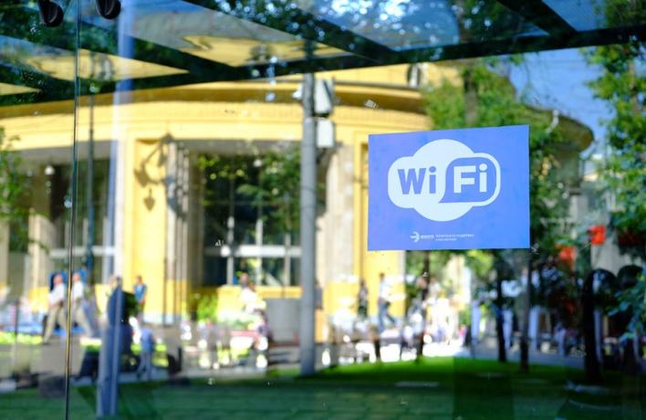 На остановках начал работать бесплатный wi-fi