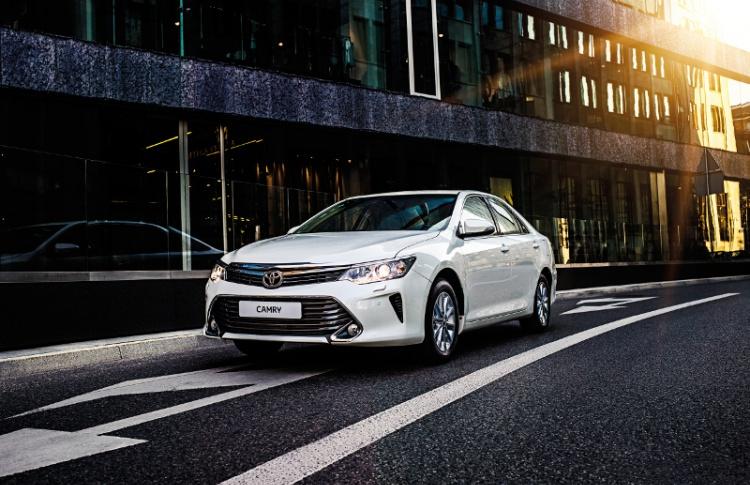 Toyota Camry ломает стереотипы