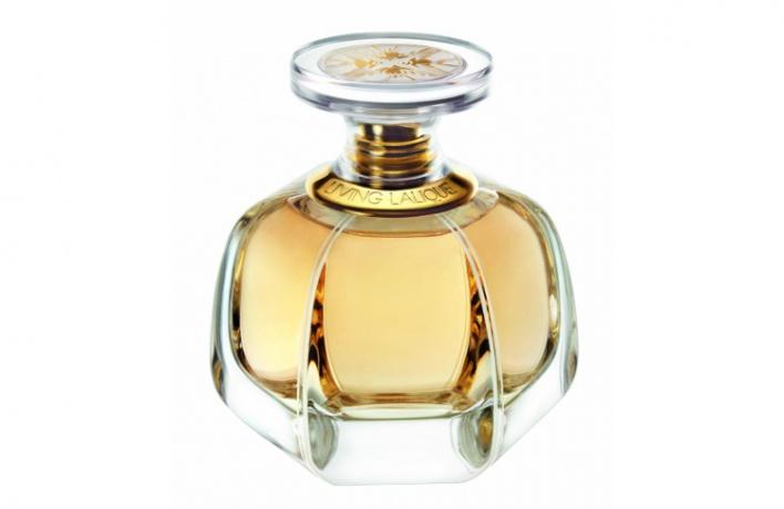 Купите новый аромат Living от Lalique и выиграйте уикенд в Санкт-Петербурге