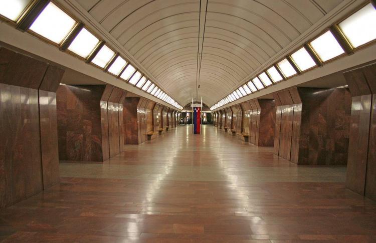 На станции метро «Дмитровская», с которой эвакуировали всех пассажиров, открыли движение