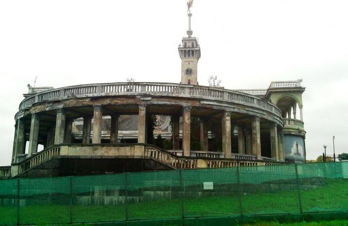 «Корабль» на Речном вокзале отреставрируют
