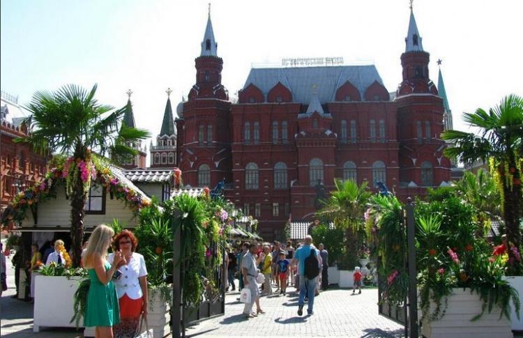 Москву решили превратить в тропики
