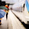 В метро начнут бесплатно упаковывать зонты