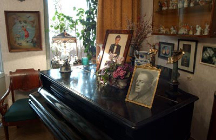 Музей-квартира актерской семьи Мироновых-Менакера