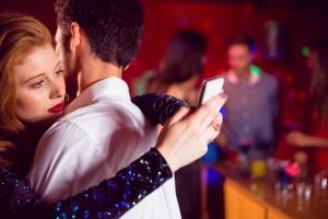 Как остаться приличным человеком в эпоху Tinder и быстрого секса