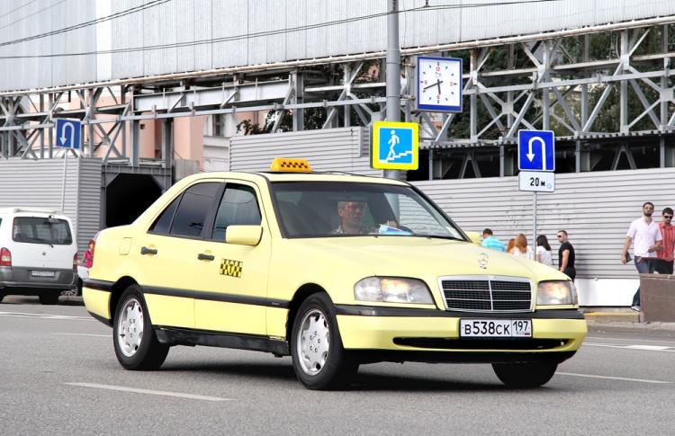 Мэрия назвала самые опасные такси города