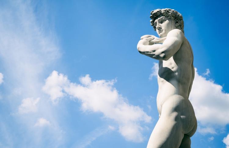По Москве будут возить пятиметровую статую Микеланджело