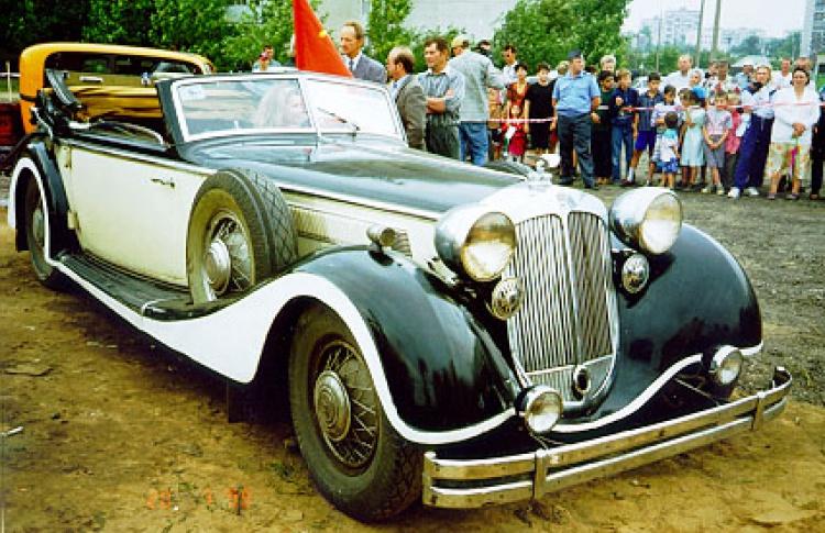 Ломаковский музей старинных автомобилей и мотоциклов