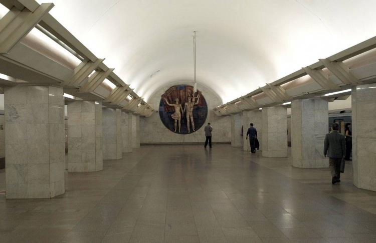 В метро проехал голый пассажир