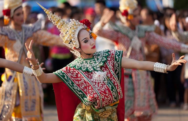 Тайский фестиваль на Кузнецком Мосту, вечеринка «Армы» и 20-тысячный забег на ВДНХ: уикенд в Москве