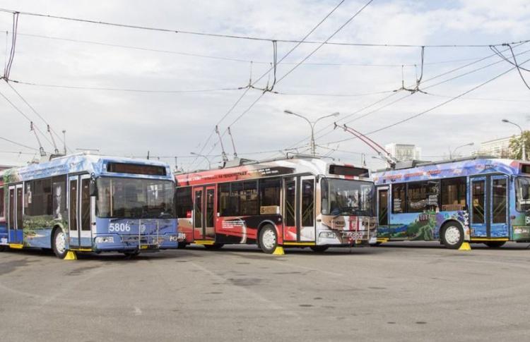 На Садовом кольце появились «литературные троллейбусы»