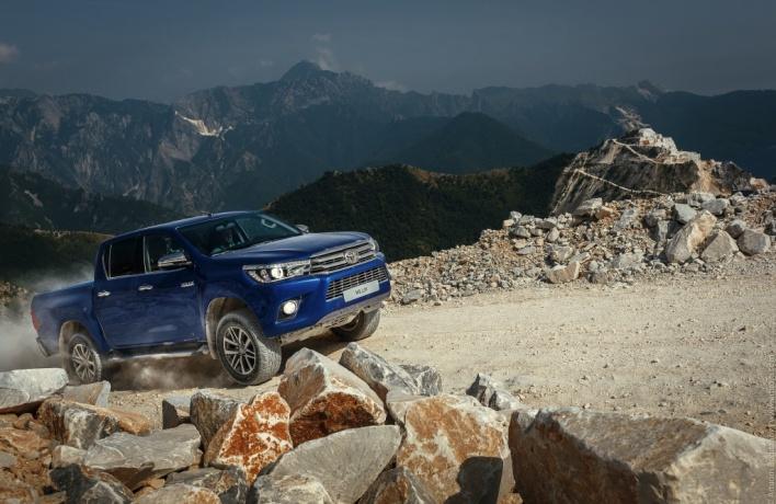 Новое поколение легендарного Toyota Hilux — новая эра в сегменте пикапов